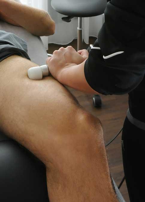 Knieschmerzen-Ursachen, Symptome und Therapie
